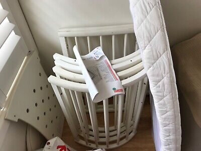 Stokke Sleepi Cot (White) with mattress and bedding good condition
