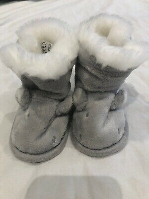 The Little White Company Fluffy Boots 0-6 Months