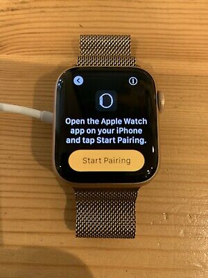 Apple Watch Series 4 GPS 40 mm Rose Gold Aluminum Case with Gold Milanese Loop