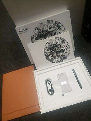 Wacom Sketchpad Pro Graphic Design Drawing Tablet with Pen Genuine Leather