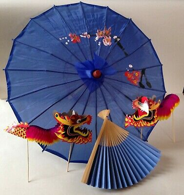 Traditional Chinese accessory set - blue parasol & fan and 2 concertina dragons