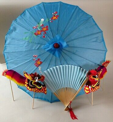 Traditional Chinese accessory set turquoise parasol, fan & 2 concertina dragons