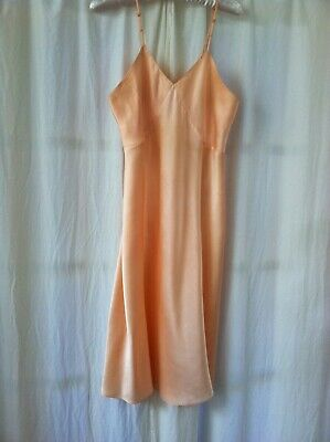Beautiful Vintage 1930s Peachy/Pink Silk Satin Slip 37