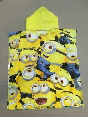 Dreamtex Childs Minions Hooded Poncho Towel  Ex Cond