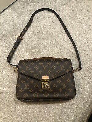 100% Authentic Louis Vuitton Pochette Metis Very Hard To Find!!