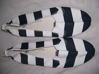 Slip on summer pump shoes from New Look girls new size 3