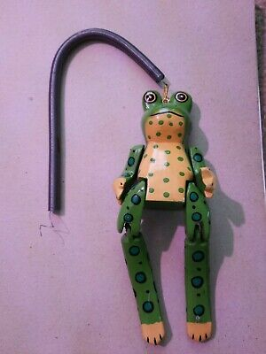 Wooden jointed frog (handmade)