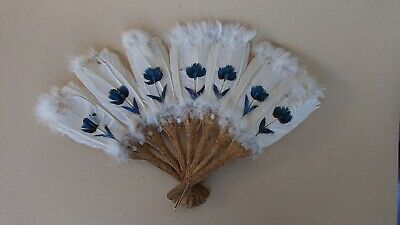 Former Fan in Feather & Panache in Material Natural