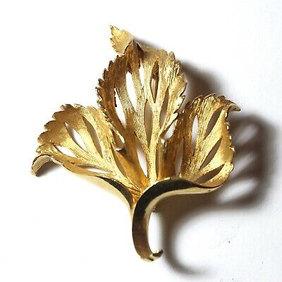 Vintage Retro Mid-Century Early 60's Gold Tone Leaf Pin / Brooch