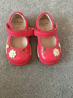 Clarks Girls Baby First Shoes UK Infant Size 4G  Pink Flower Used