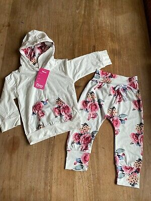 Gorgeous Girls Top And Trouser Set. Size 3-4yrs. BNWT