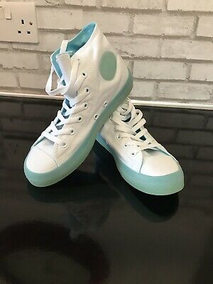 *New* Converse Girls All Star Chuck Taylor High Top Size 2