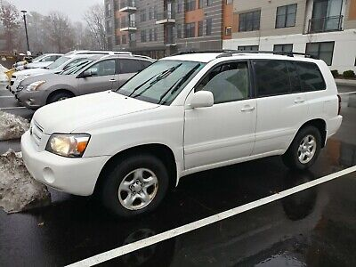 2005 Toyota Highlander  2005 Toyota Highlander Clean Title Operational Low Mileage SUV 4D (2.4L I4 SFI)
