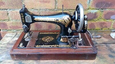 ANTIQUE SINGER 27k circa 1902 HAND CRANK SEWING MACHINE CASKET CASE