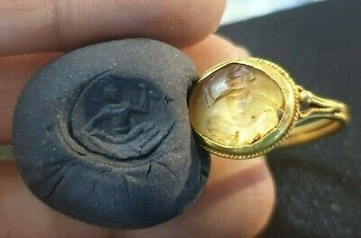 Ancient Crystal Intaglio Warrior Holding Weapon Solid gold 22k Roman Ring