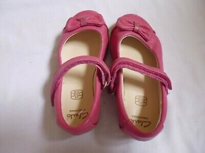 clarks girls pink shoes size 6g