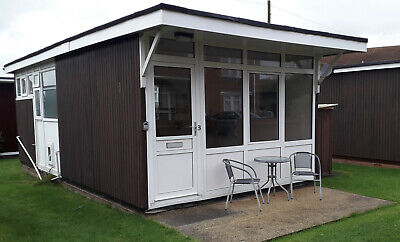 HOLIDAY CHALET; Near SKEGNESS - SLEEPS 4 - SOUTH FACING QUIET SEA SIDE VILLAGE
