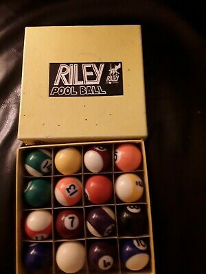 Riley 1.1/2 Inch Pool Balls   Very Good Condition