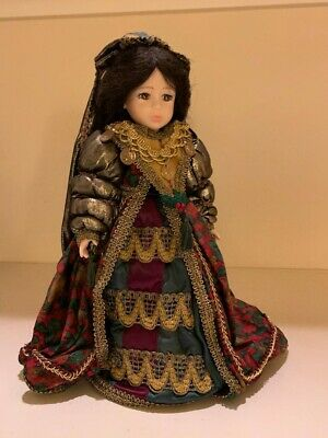 Robin Woods Doll GABRIELLA * excellent condition * original owner *  beautiful !