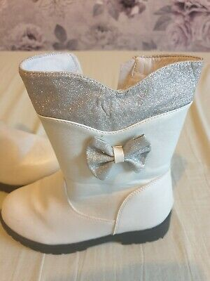 Girls winter boots size 12 1/2 white,silver, sparkle twins? Eu size 31