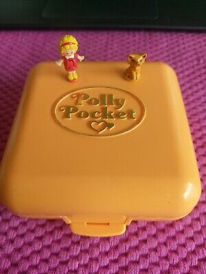 Vintage 1989 Polly's Town House Compact + Polly + Cat. Bluebird Toys.