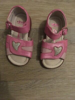 Girls Clarks Pink Sweetheart Leather Upper Sandals Size 6.5E