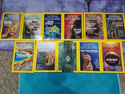 Lot of 11 National Geographic Magazines issues from 2009 with Maps Nice!