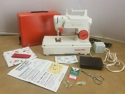 Singer Junior Miss Sewing Machine 67-B-13 Child Toy w/Manual, Electric.