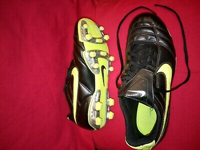 Kids Nike Tiempo Football Boots Size 4 Rugby shoes Boys Girls Mens Womens kit