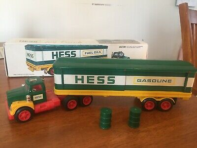Vintage 1975 Hess Truck With Original Box And 2 Barrels