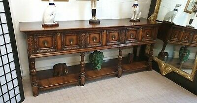 Stunning arts and Crafts solid oak sideboard