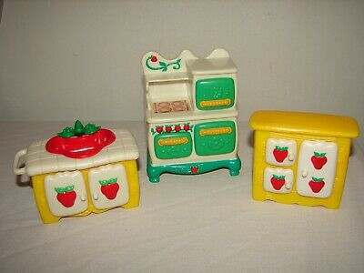 Vintage Strawberry Shortcake RED CANISTER with LID Berry Happy Home FURNITURE 83
