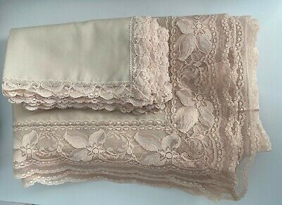 VTG Beige Tablecloth with 6 napkins Lace Border 102 x 66 rectangle