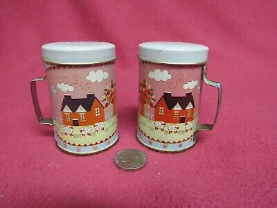 Vintage Rural Country Home Tin Container Salt and Pepper Shakers              e5