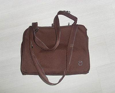 Modern Basic Essential Travel Case Khaki Allerhand AH-MB-ETC-19 06 Pflegetasche