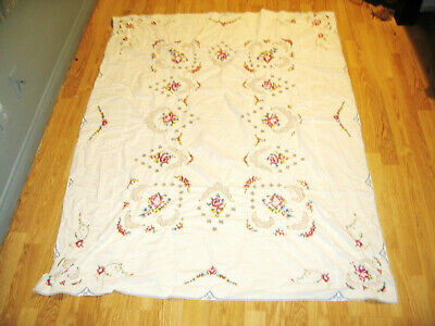 """Vintage Hand Embroidered Crochet Floral Tablecloth Rectangle 64"""" x 48"""""""
