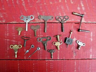 Lot Of 13 Antique And Vintage Clock Keys, Clock Hands And 1 Pendulum - Lot 2