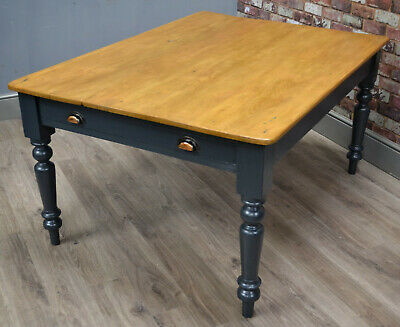 Stunning original Vintage Victorian farmhouse pine kitchen / dining table
