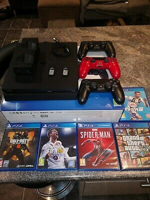 Sony playstation 4 (PS4) 500 gb jet black console and accessories