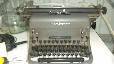 Collectable  Remington Rand Letter Typewriter Made in Great Britain