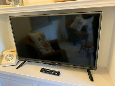 LG 32 inch TV LCD/LED with Freeview. Full working order Remote/cables. Boxed