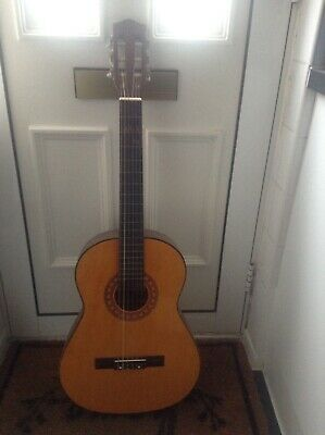 Full Size 6 String Steel Strung Acoustic Guitar.