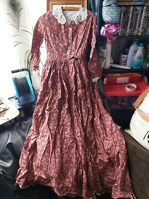 LARP Paisley Dress Size 10ish Victorian/edwardian. Paisley. 3/4 Sleeve. Long