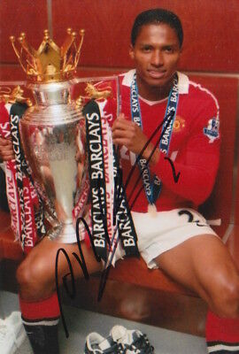 Manchester United Hand Signed Antonio Valencia 6X4 Photo 1.
