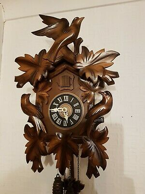 LOVELY  BLACK FOREST CUCKOO CLOCK /Fully  serviced  !! Very clean
