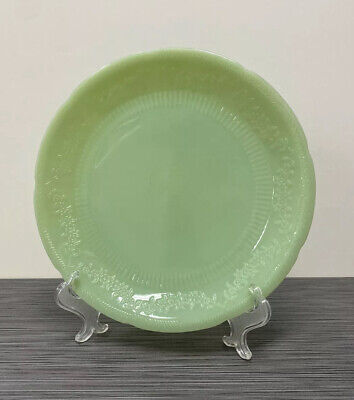 Fire King Jadite / Jadeite / Jade-ite Alice Dinner Plate - SLIVER CHIP
