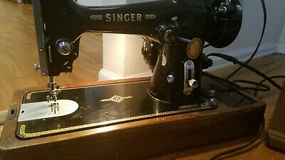 Tested Antique  Portable Singer Sewing Machine  with Wooden Bentwood Case
