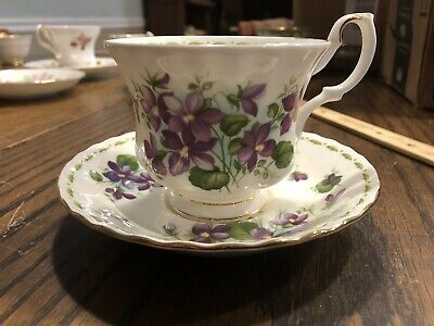Royal Albert Flower of the Month Series FEBRUARY Tea Cup Saucer Violets