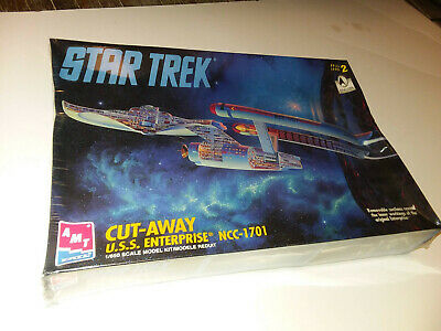 AMT ERTL Cut Away Star Trek USS Enterprise NCC-1701 Model Starship Kit