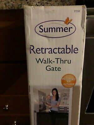 """Summer Infant 27250 31"""" Retractable Baby Gate"""
